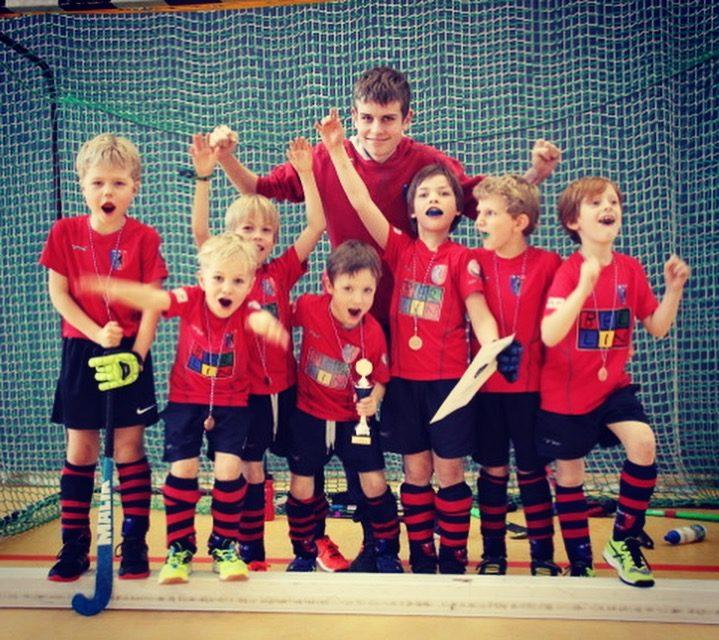 Minis gewinnen Blau-Weiss Cup