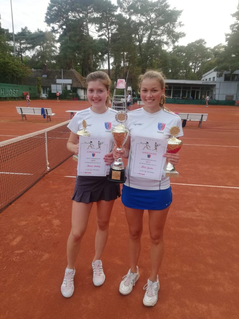 U18 Clubturnier Endspiel w-Sieger Feline Sgustav (rechts) gegen Hannah Hertzberg