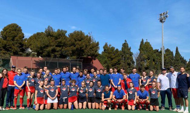 Damen und Herren sind im Trainingslager in Barcelona